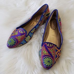 B2G1 Me Too Bailey Colorful Tapestry Pointed Flats